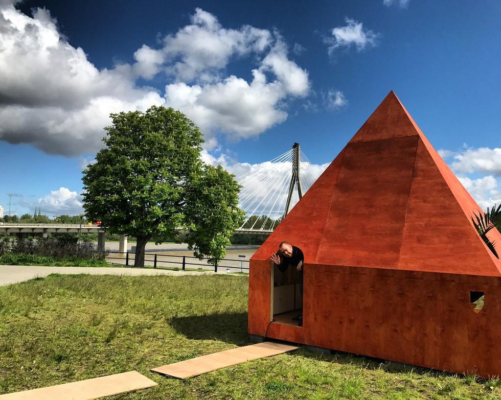Domek Czytelniczy – nowa instalacja Jana Strumiłły