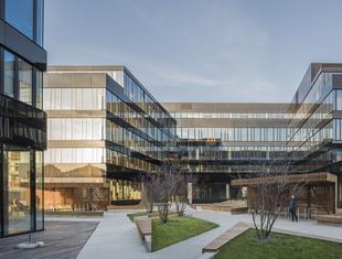 Neopark – ekologiczny kompleks biurowy autorstwa JEMS Architekci